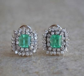 SUPERB 2.30 CT COLOMBIAN EMERALD 2.10 CT DIAMOND VINTAGE CLUSTER EARRINGS 60'S!