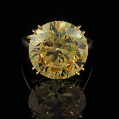 EXTREMELY RARE 20.0 CT YELLOW MALI GARNET SOLITAIRE RING!