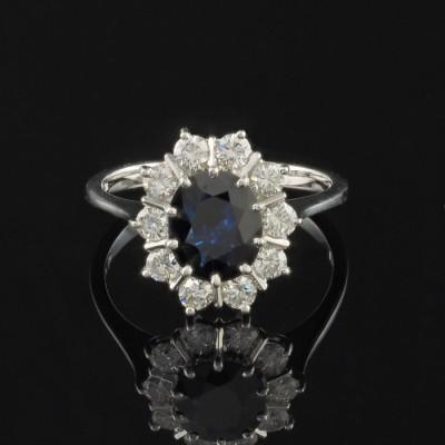A GLAMOROUS 1.70 CT NATURAL SAPPHIRE & G VVS DIAMOND VINTAGE RING!