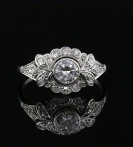 ORIGINAL ART DECO ALL PLATINUM .85 CT DIAMOND G VVS QUALITY!
