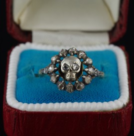 GENUINE VICTORIAN .70 CT DIAMOND RARE MEMENTO MORI SKULL RING!