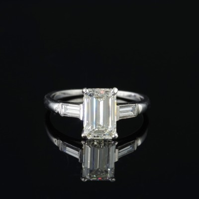 SPECTACULAR ART DECO 1.91 CT EMERALD CUT DIAMOND SOLITAIRE PLATINUM RING