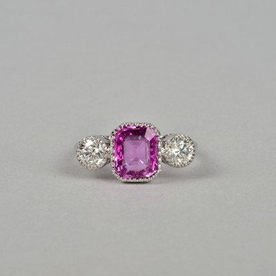 EXCEPTIONAL 2.60 NATURAL NO HEAT PINK SAPPHIRE .80 CT DIAMONDS TRILOGY RING!