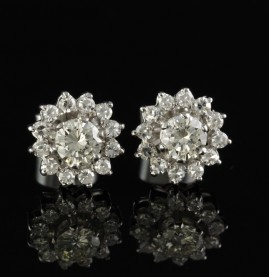 STRIKING 2,16 CT DIAMOND G VVS VINTAGE CLUSTER EARRINGS LARGE CENTRE!