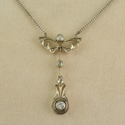 AUTHENTIC EDWARDIAN FINESS RARE DIAMOND BOW NECKLACE!