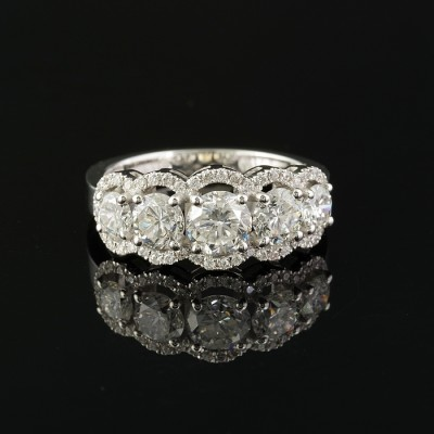 EXTREMELY FINE 2.60 CT DIAMOND FIVE STONE RING – DELIGHTFUL!