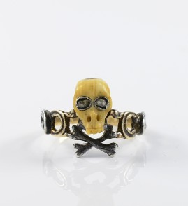 AUTHENTIC GEORGIAN SKULL & CROSSED BONES RARE MEMENTO MORI ENGLISH RING!