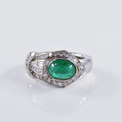 A LATE ART DECO 1.90 CT NATURAL COLOMBIAN EMERALD .90 CT DIAMOND TERRIFIC BUCKLE RING!