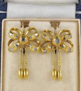 Authentic Georgian period 1,90 Ct table cut diamonds rare bow earrings