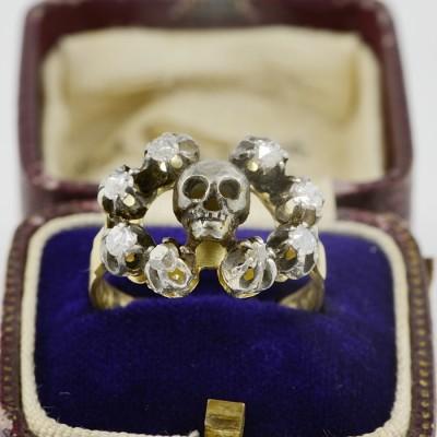 DELIGHTFUL VICTORIAN MEMENTO MORI ROSE CUT DIAMOND SKULL RING!