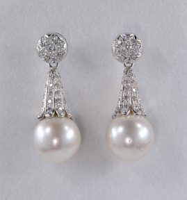 FANTASTIC LARGE SOUTH PEARL & DIAMOND LONG DROP EARRINGS 1970!