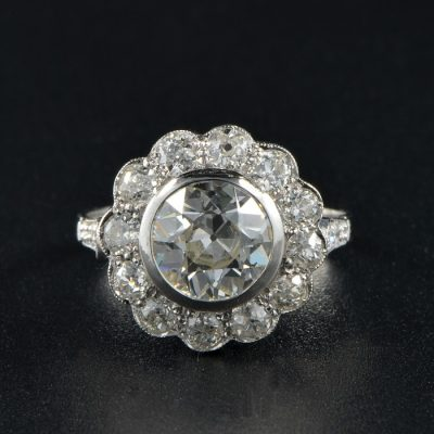 MAGNIFICENT VINTAGE LARGE DIAMOND CLUSTER RING!