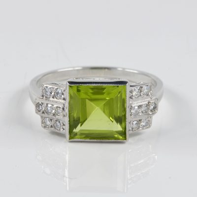 FANTASTIC 2.30 CT NATURAL PERIDOT DIAMOND RING!