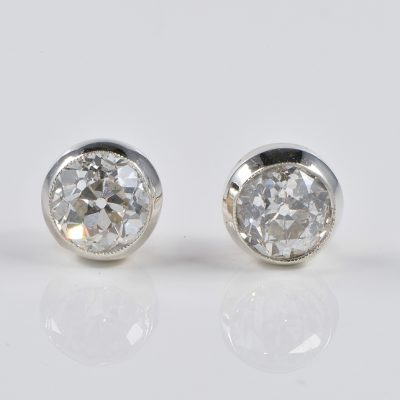 VICTORIAN RARE 2.50 CT CUSHION DIAMOND SOLITAIRE EAR STUDS!