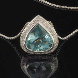 SPECTACULAR 14.0 CT NATURAL AQUAMARINE & DIAMOND TEAR DROP PENDANT NECKLACE!