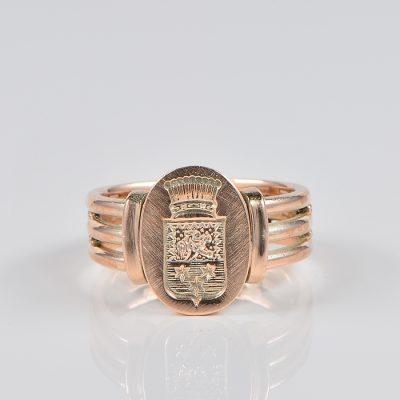 VICTORIAN 18 KT ROSE GOLD  RARE INTAGLIO CREST SIGNET RING!