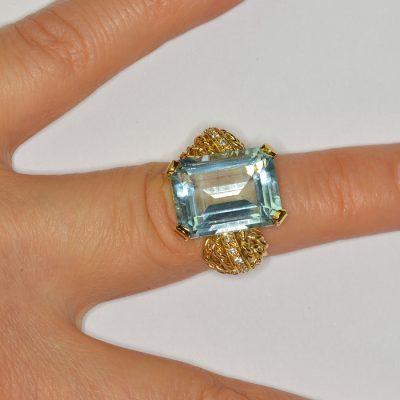 STUNNING RETRO 16.0 CT AQUAMRINE DIAMOND SIMULANT UNIQUE RING!