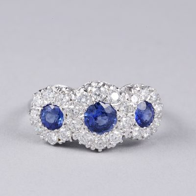 SPECTACULAR DIAMOND NATURAL SAPPHIRE VINTAGE TRILOGY RING!