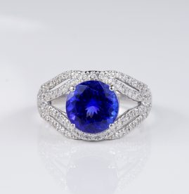 EXCLUSIVE 4.54 CT TANZANITE .90 CT DIAMOND DESIGNER RING