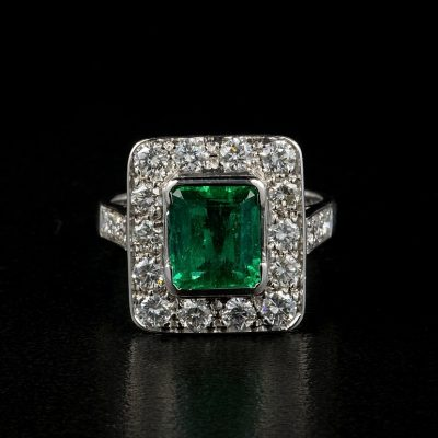 Superb Art Deco 2.10 Ct Colombian Emerald 1.80 Ct Diamond Ring
