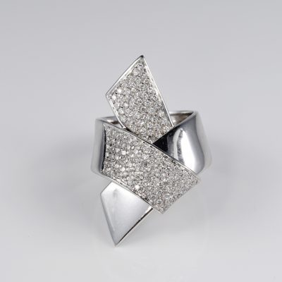 Contemporary 1.70 Carats Diamond large designed bow ring