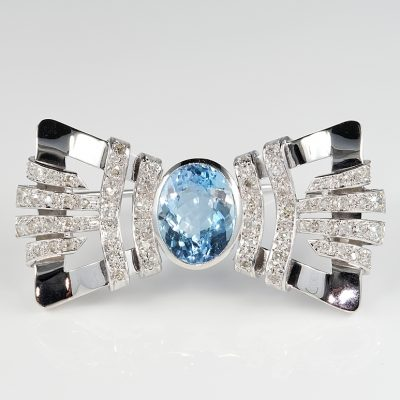 Striking Art Deco 6.10 Ct Aquamarine 1.0 Ct Diamond Rare Bow Brooch