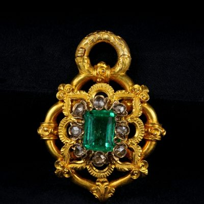 Antique Early 3.80 Carat Colombian Emerald Diamond Rare Secret Pendant