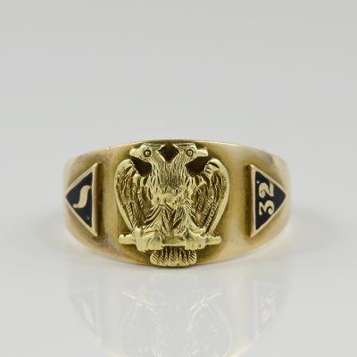 Antique 10 KT Yellow Gold Black Enamel Gent Masonic ring