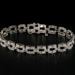 Beautiful Art Deco 5.40 Carat Diamond Solid Platinum Bracelet