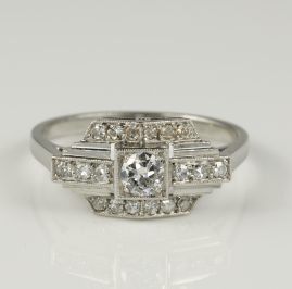 French Art Deco Gorgeous Diamond Solitaire Platinum Engagement Ring