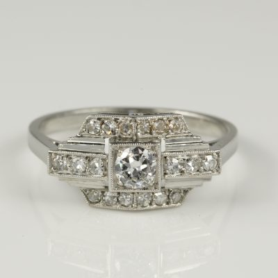 French Art Deco Gorgeous Diamond Solitaire Platinum Engagement Ring
