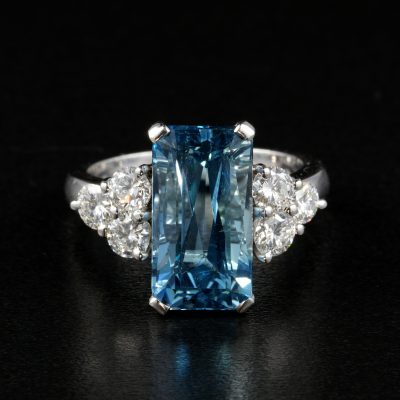 Magnificent 4.70 Ct Aquamarine .90 Ct. G VVS Diamond High Quality Engagement Ring