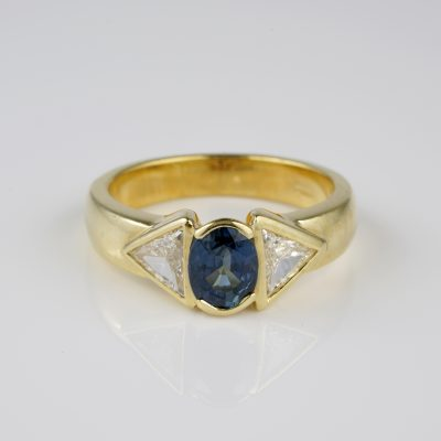 Stunning 1.20 Ct Natural Sapphire 1.10 Ct Triangular Diamond Engagement Ring