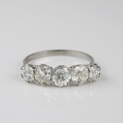 Magnificent Edwardian 2.50 Ct Diamond Five Stone ring 1910 ca!
