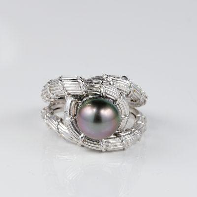 Mid Century Black Pearl Platinum Snake ring