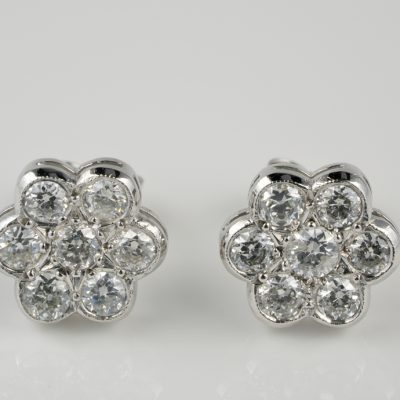 Charming Vintage .92 Ct Diamond Flower Stud Earrings 18 KT