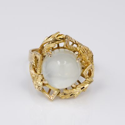 Charming Fifties Vintage 11.80 Ct Moonstone 14KT Gold Ring
