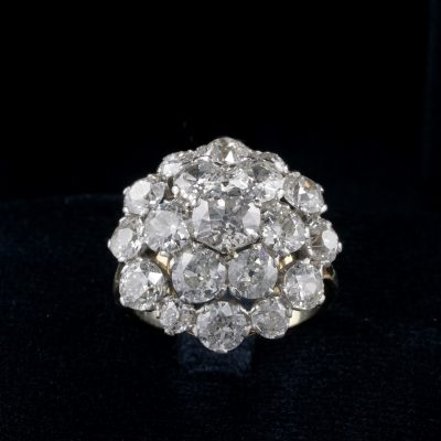 Spectacular Late Art Deco 9.05 Ct Diamond Rare Cluster ring