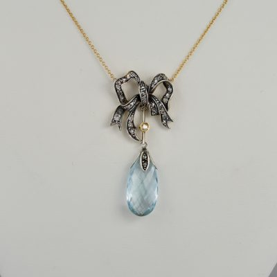 Gorgeous Victorian 10.30 Ct Natural Aquamarine Diamond Bow Necklace