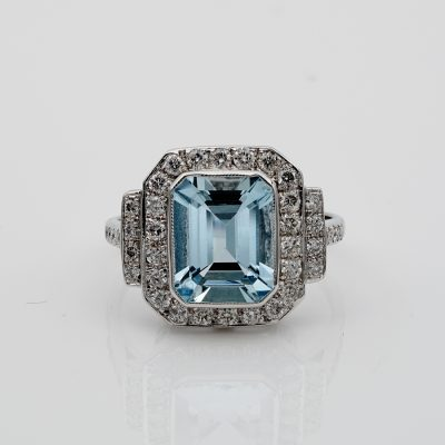 Beautiful Natural Aquamarine Diamond Vintage ring