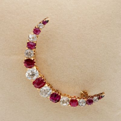 Precious Victorian 4.40 Ct Old Mine Diamond 3.0 Ct Ruby Crescent Brooch