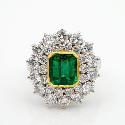 Spectacular Vintage Certified Sandawana Emerald Diamond ring