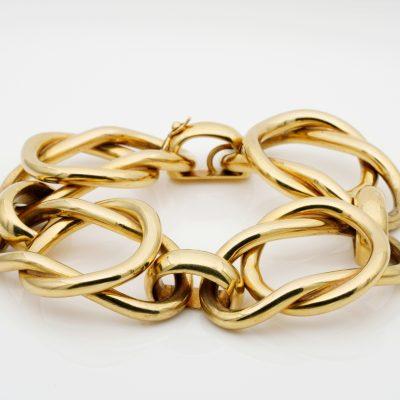 Magnificent Italian Fancy Link 18 KT Gold Heavy Vintage Bracelet