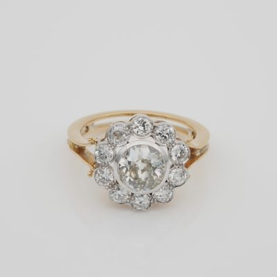 Outstanding Early Deco 1.60 Ct Centre Diamond 1.50 Ct Diamond Plus Cluster Ring