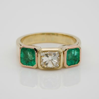 Art Deco 1.60 Ct Fancy Yellow Old Mine Diamond 3.30 Ct Colombian Emerald Trilogy Ring