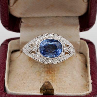Art Deco 3.20 Ct Vivid Cornflower Blue Natural Sapphire Diamond Engagement Ring