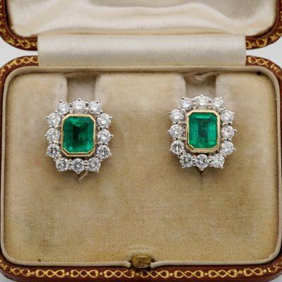 Mid Century 1.70 Ct Colombian Emerald 1.70 CT  F/G VVS/VS Diamond Earrings