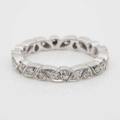 18KT FANTASTIC LEAF FULL ETERNITY DIAMOND RING