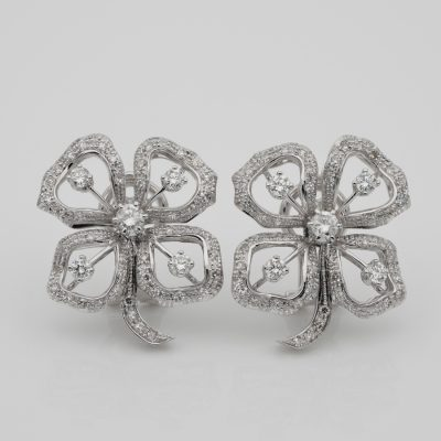 Charming Mid Century 2.20 Ct Diamond Large Pansy Flower Earclips