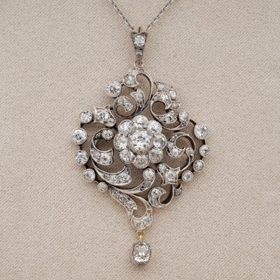 Victorian Over 4.0 Ct Old Mine Diamond Rare Glittering Pendant